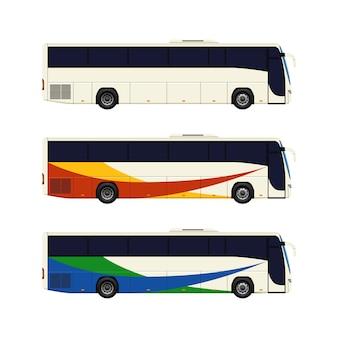 Conjunto de três ônibus de treinador.