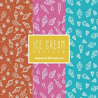 Conjunto de três padrões com sorvetes desenhados manualmente
