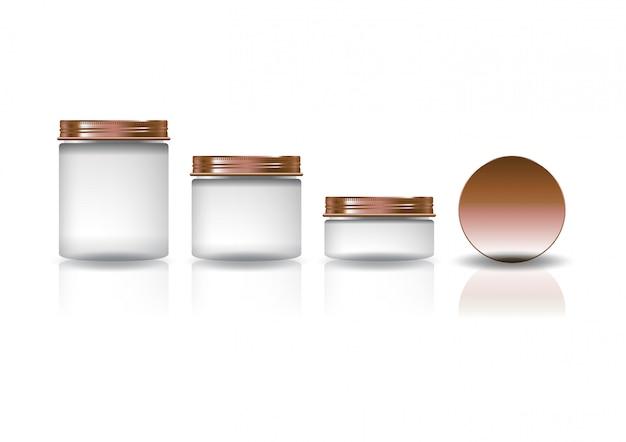 Conjunto de três tamanhos branco redondo frasco cosmético com tampa de cobre.