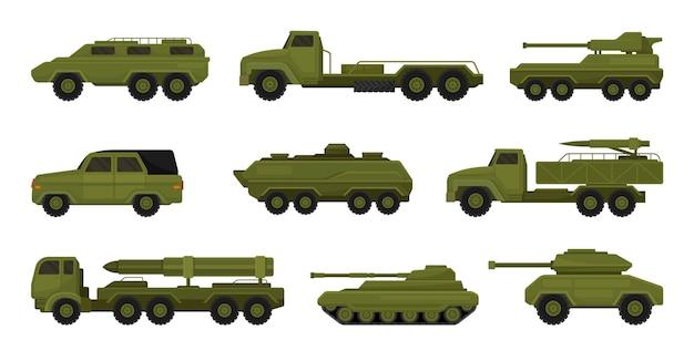 Conjunto de veículos militares isolados no branco