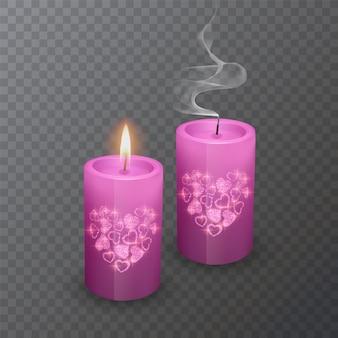 Conjunto de velas realistas de cor rosa com uma camada brilhante de corações. velas acesas e apagadas Vetor Premium