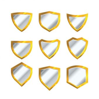 Conjunto de vetor de escudo dourado isolado