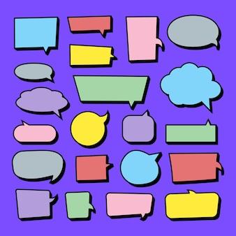 Conjunto de vetores de adesivos de balões de fala. balões de fala em branco e com cores vazias