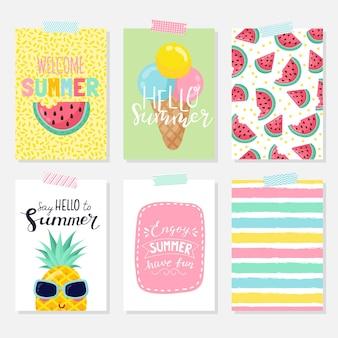 Conjunto de vetores de cartões de verão brilhante. lindos pôsteres de verão com bananas, folhas de palmeira, frases. cartões de diário.