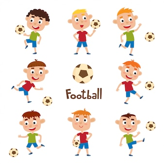 Conjunto de vetores de meninos jogando futebol em estilo cartoon, isolado no branco