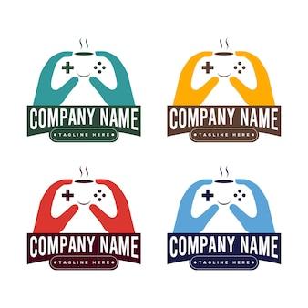 Conjunto de xícara de café e modelo de logotipo de vetor de joystick para café com o tema do jogo em várias cores