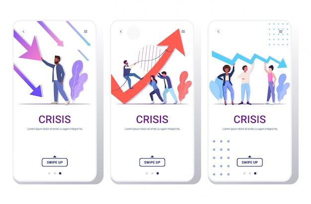 Conjunto empresários frustrados sobre seta econômica caindo risco financeiro investimento à falência risco conceito telefone telas coleção comprimento total cópia espaço horizontal