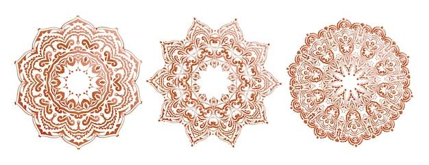 Conjunto étnico de três mandalas detalhadas