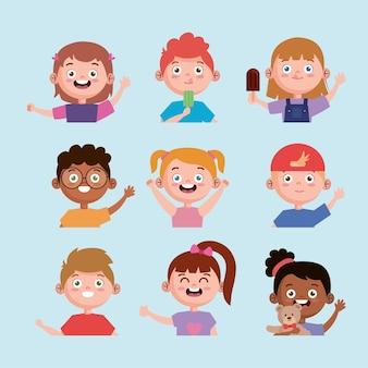 Conjunto inter-racial de crianças