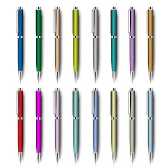Conjunto isolado canetas realistas coloridas.