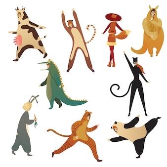 Conjunto plano de homens e mulheres em fantasias de animais. roupas para festa de halloween. personagens de desenhos animados pessoas