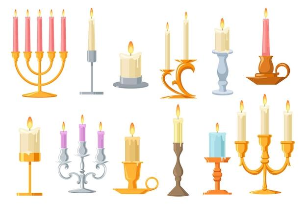 Conjunto plano de velas vintage em castiçais