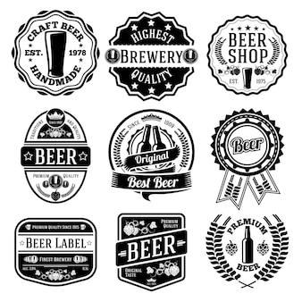 Conjunto preto de rótulos e emblemas de cerveja