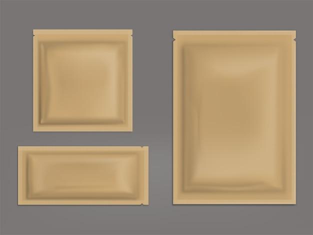 Conjunto realista de sachês selados marrons em branco