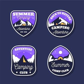 Conjunto vintage de emblemas de acampamento e aventuras