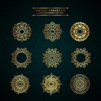 Conjuntos dourados de ornamentos vintage