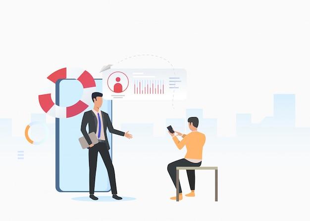 Consultor de negócios e homem usando smartphone