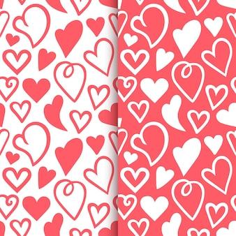 Contornos repetidos de corações desenhados à mão conjunto de padrão romântico sem emenda