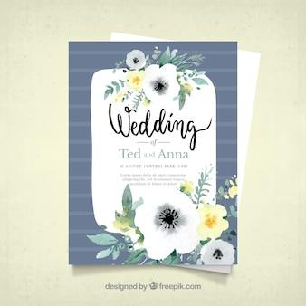 Convite azul do casamento com decoração floral