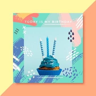 Convite de aniversário com foto de bolo