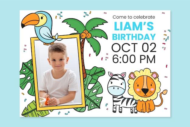 Convite de aniversário de animais desenhados à mão com modelo de foto