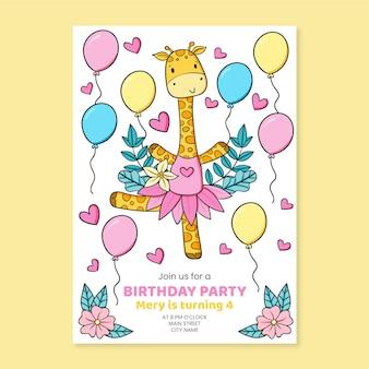 Convite de aniversário de animais desenhados à mão