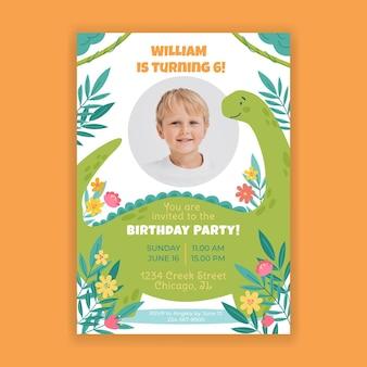 Convite de aniversário de dinossauro plano com foto