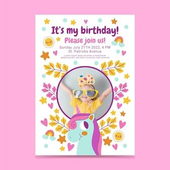 Convite de aniversário de unicórnio plano com foto