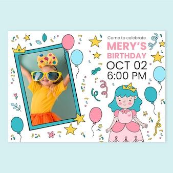 Convite de aniversário desenhado à mão para princesa com modelo de foto Vetor grátis