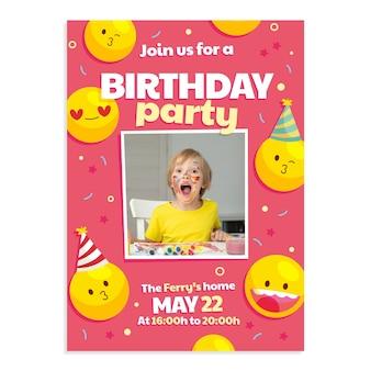Convite de aniversário emoji de desenho animado com foto