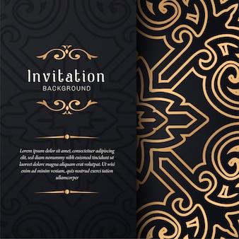 Convite de cartão com ornamentos florais, fundo de ouro padrão ornamental