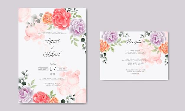 Convite de cartão de casamento com linda flor e folhas