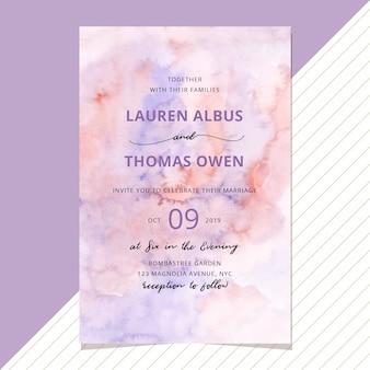 Convite de casamento com fundo de aquarela blush roxo
