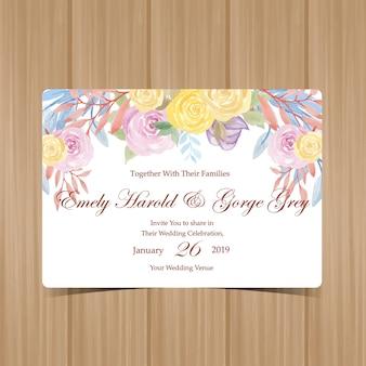 Convite de casamento com lindas rosas amarelas e roxas