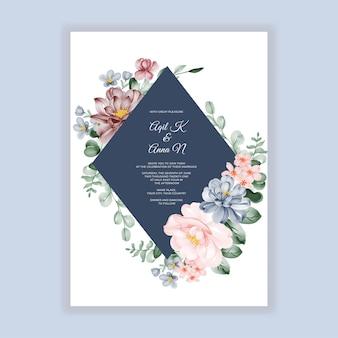 Convite de casamento floral com decoração de flores rosa azul e vinho