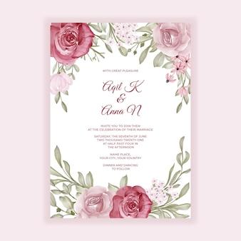 Convite de casamento floral com decoração rosa e bordô
