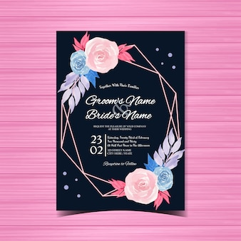 Convite de casamento floral com lindas rosas cor de rosa e azuis