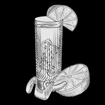 Copo alto de suco de laranja fresco e uma fatia de laranja na lousa. copo de limonada e cubos de gelo. estilo de gravura. para cardápio de bar, cartões, pôsteres, gravuras, embalagens. ilustração vetorial.