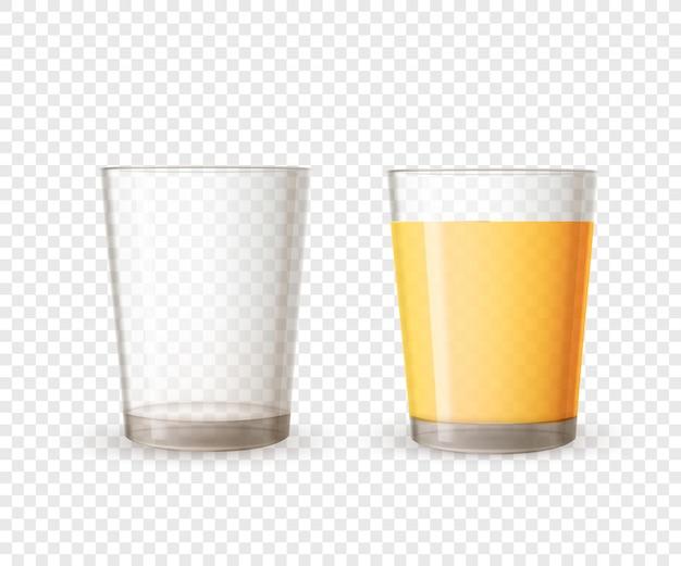 Copo brilhante realista vazio e cheio de suco de laranja em fundo transparente