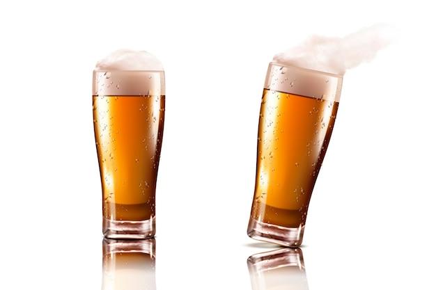 Copo de cerveja com bebida deliciosa e espuma em fundo branco
