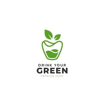 Copo verde com suco e folhas de maçã no logotipo superior com o texto abaixo do modelo