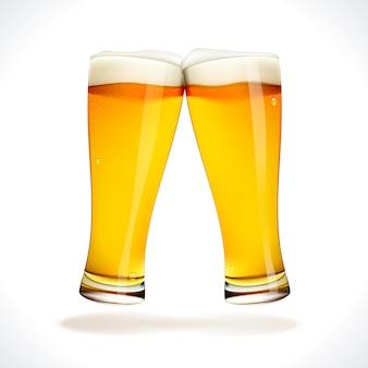 Copos de cerveja tilintando