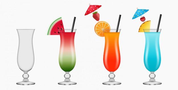 Copos vazios e cheios de coquetel. cocktails coloridos com frutas