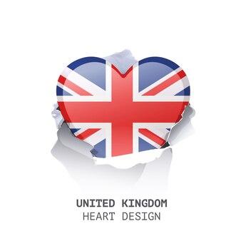 Coração do reino unido dentro do papel do furo sobre o fundo branco