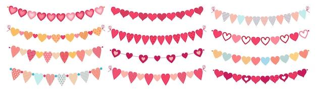 Corações de bunting. adoro formas de coração de dia dos namorados, decorações para o dia do casamento e enfeite bandeiras de coração fofas Vetor Premium