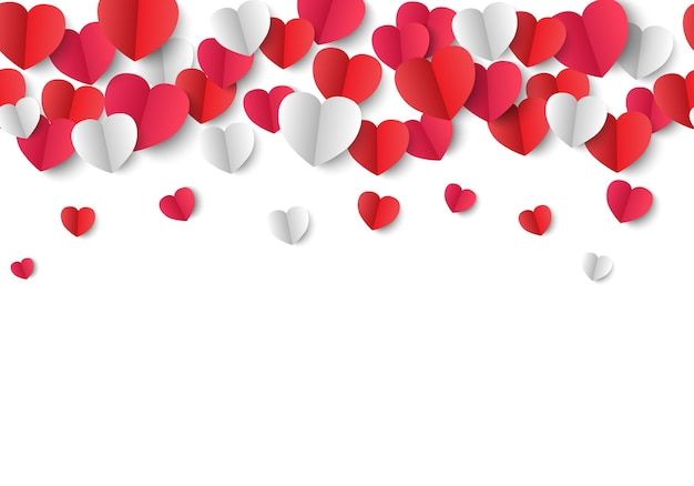Corações de papel isolados no branco