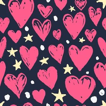 Corações em tinta rosa de vetor brilhante desenhada à mão e estrelas amarelas padrão sem emenda para decoração de dia dos namorados