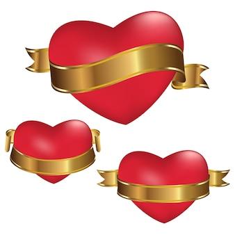 Corações vermelhos com fitas douradas isoladas no fundo branco. decoração para o dia dos namorados e outros feriados.