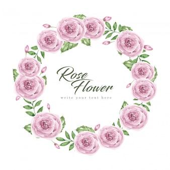 Coroa de rosas, flor roxa e folhas em aquarela