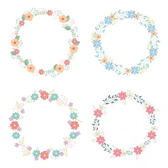 Coroas circulares com decoração de flores e folhas